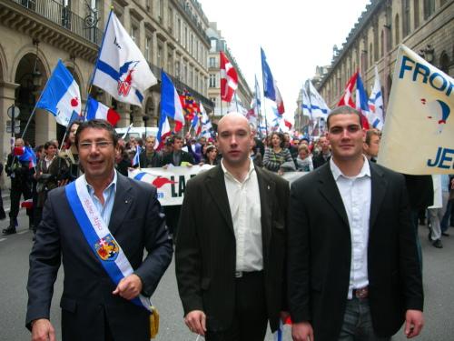 a_droite_M_guerin_responsable_fnj_rhone_alpe_savoie_au_milieu_loic_le_marinier_directeur_national_fnj-e0802