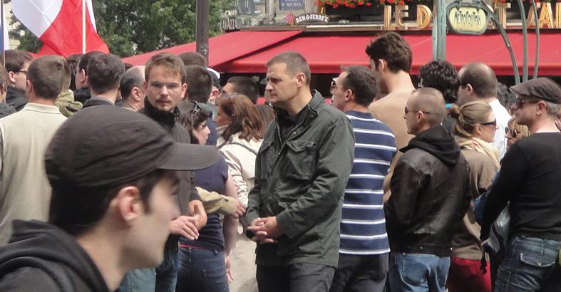 au centre, Yvan Benedetti de l'Oeuvre Française