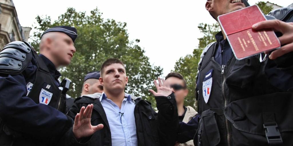 """Gabriac, opposant au système, mais avec une belle carte d'identité de """"Membre du Conseil Régional de Rhône-Alpes"""""""