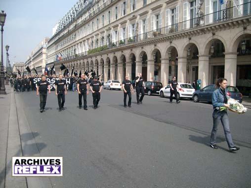 « La même en tête du défilé du C9M en 2010 »